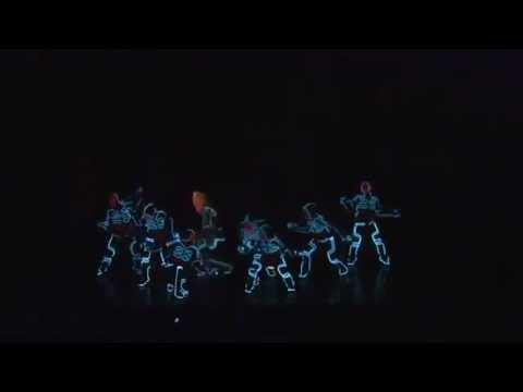 супер танец с НЕО костюмами!!!