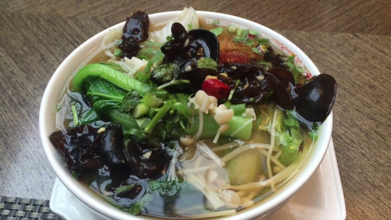 Noodle Soup Breakfast & Traditional Chinese Dinner in ...