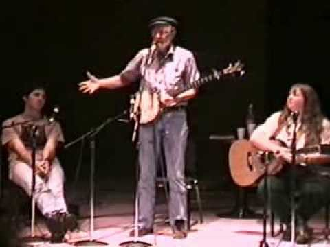 Pete Seeger performs Abiyoyo at 1997 Folklife