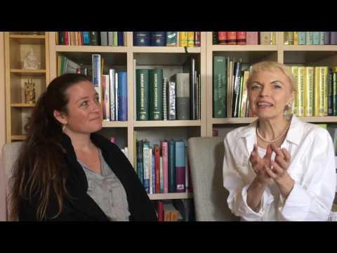 Læge og ayurvedisk vejleder Charlotte Bech. Den kvindelige cyklus den hemmelige kraft