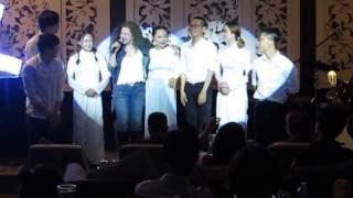 Cô bé có chiếc răng khểnh Hân Trần at live show Thanh Hoa 30/04/2017