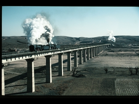 Chinese Steam: QJ Freights around Aobaogou - 18th Jan 2001