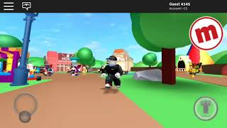 ROBLOX sees me a guest i ise another user
