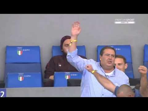 Daniele de Rossi celebrates Džeko's goal against Lazio