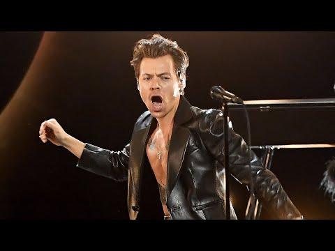 GRAMMYs 2021: Harry Styles Sings Watermelon Sugar in ELECTRIFYING Grammy Performance