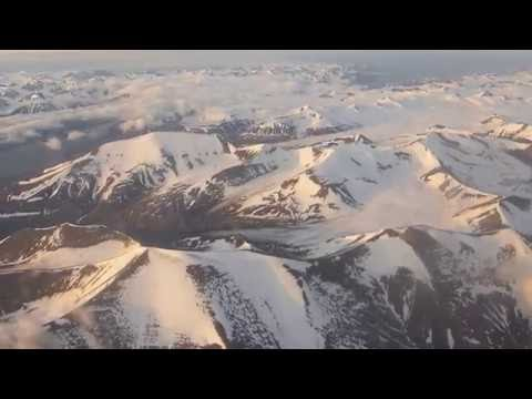 Crusing Svalbard (Spitsbergen), final descent and landing in Longyearbyen (LYR)