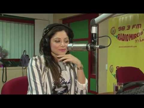 Kanika Kapoor talks about her struggle at the Mirchi Delhi studio with RJ Rohit