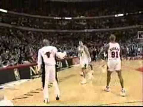 Toni Kukoc destroys Lakers with 31 point, 3p(6-7)