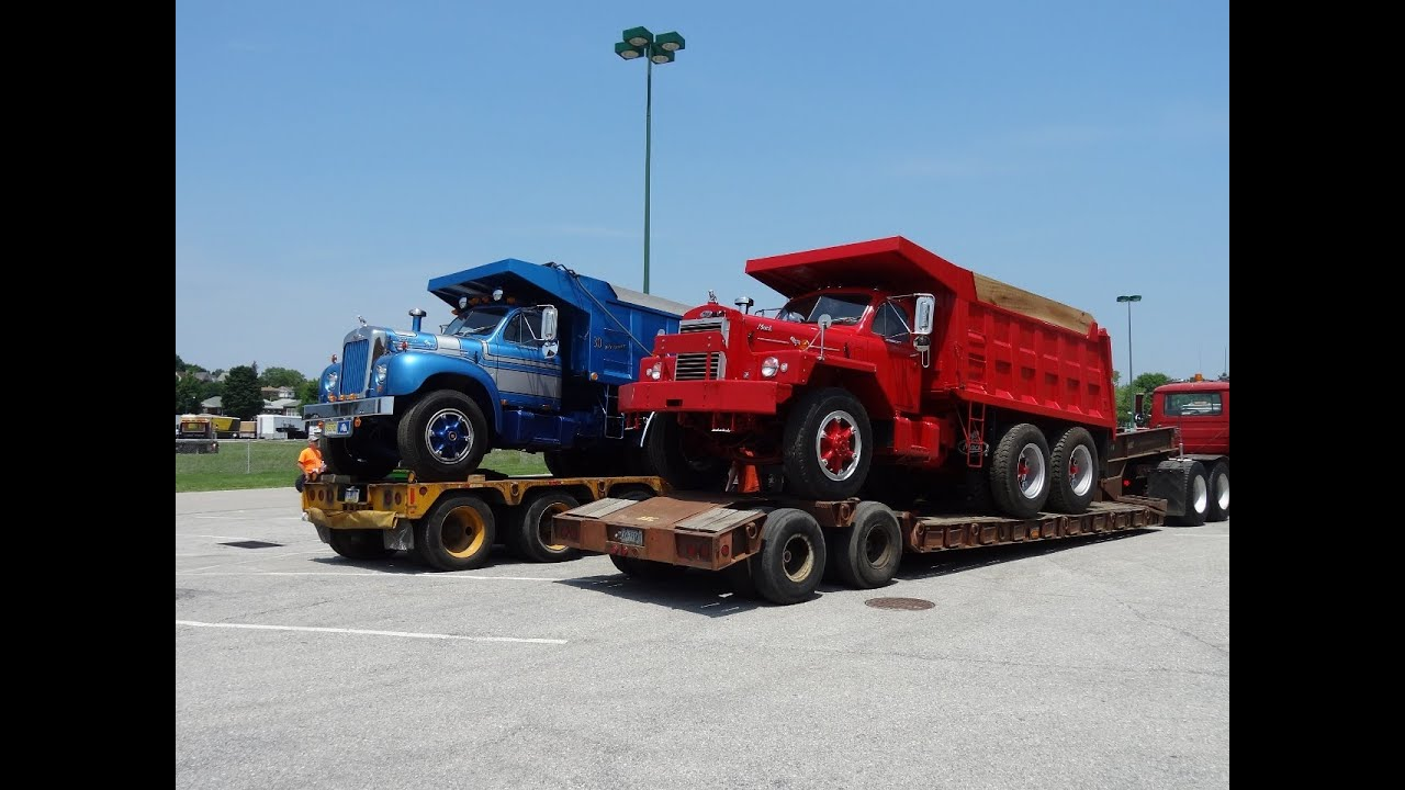 hight resolution of b model mack dump trucks
