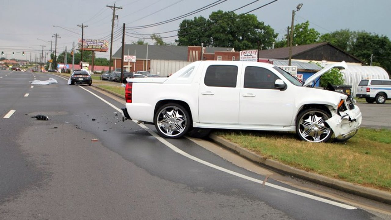 Chevrolet Avalanche 2016 >> Latest Car Accident of Chevrolet Avalanche - Road - Crash - Compilation - Auto - 2016 - 2017 ...