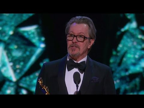 Gary Oldman Wins Best Actor At 2018 Oscars & Shouts Out His Mom