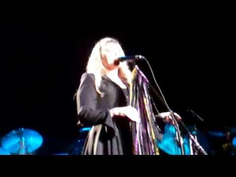 Gypsy Intro Story Fleetwood Mac LA Forum 4-14-15