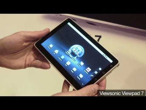 Demonstrating the ViewSonic Viewpad 7 at Gadget Show Live 2011
