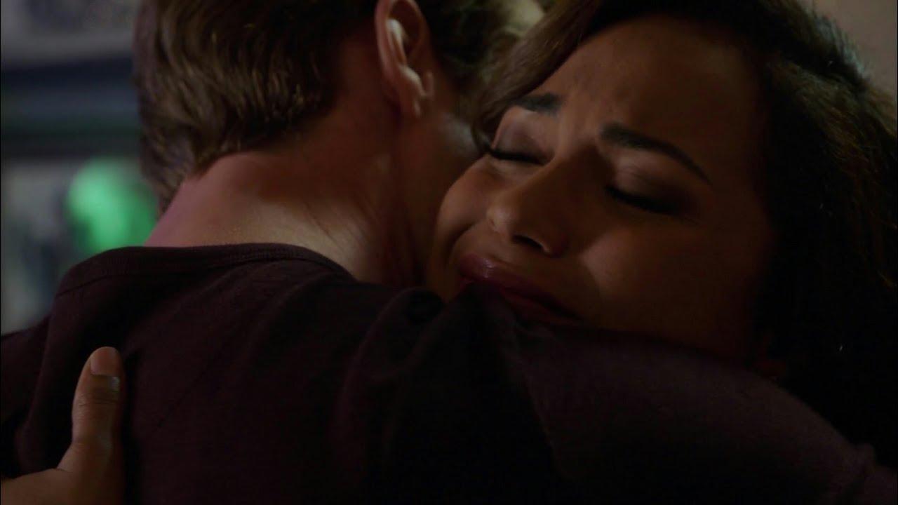 Download Chicago fire season 4 episode 1 - Gabby tells Matt she's pregnant