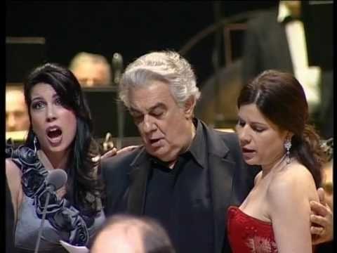 Paros Chamber Choir performs Yerevan Erebuni with Placido Domingo (HD version)