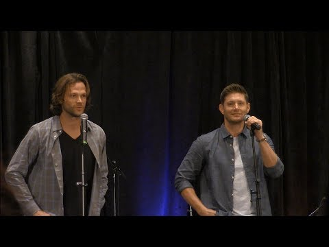 FULL GOLD Chicon Jensen Ackles and Jared Padalecki 2017  Supernatural
