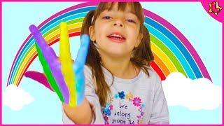 Aprendendo cores em Inglês de arco-íris #clubinho da laura