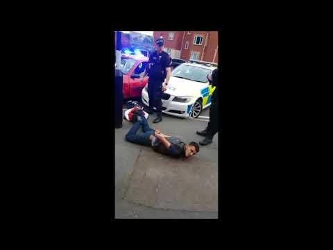 WEST MIDLANDS POLICE RAM CAR AND DRAG TEENS OUT - BIRMINGHAM UK POLICE GRIME NEWS ROADTUBE JULY 2018