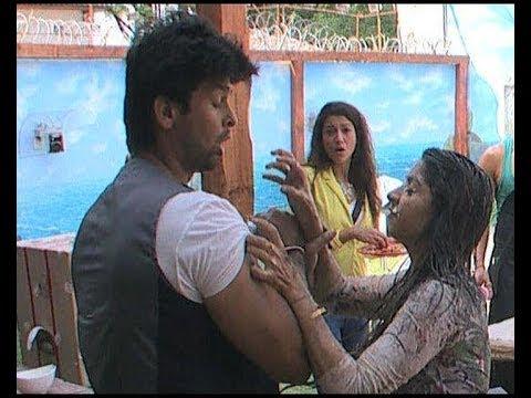 Bigg Boss 7 : When Tanisha got physical...