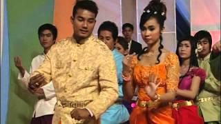 ស្តាយចិត្តដែលស្មោះ/Sday Chet Dael Smoss. (Khmer Karaoke)