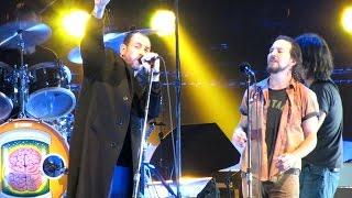 Pearl Jam w/Mike Ness: Down [HD] 2009-10-28 - Philadelphia, PA