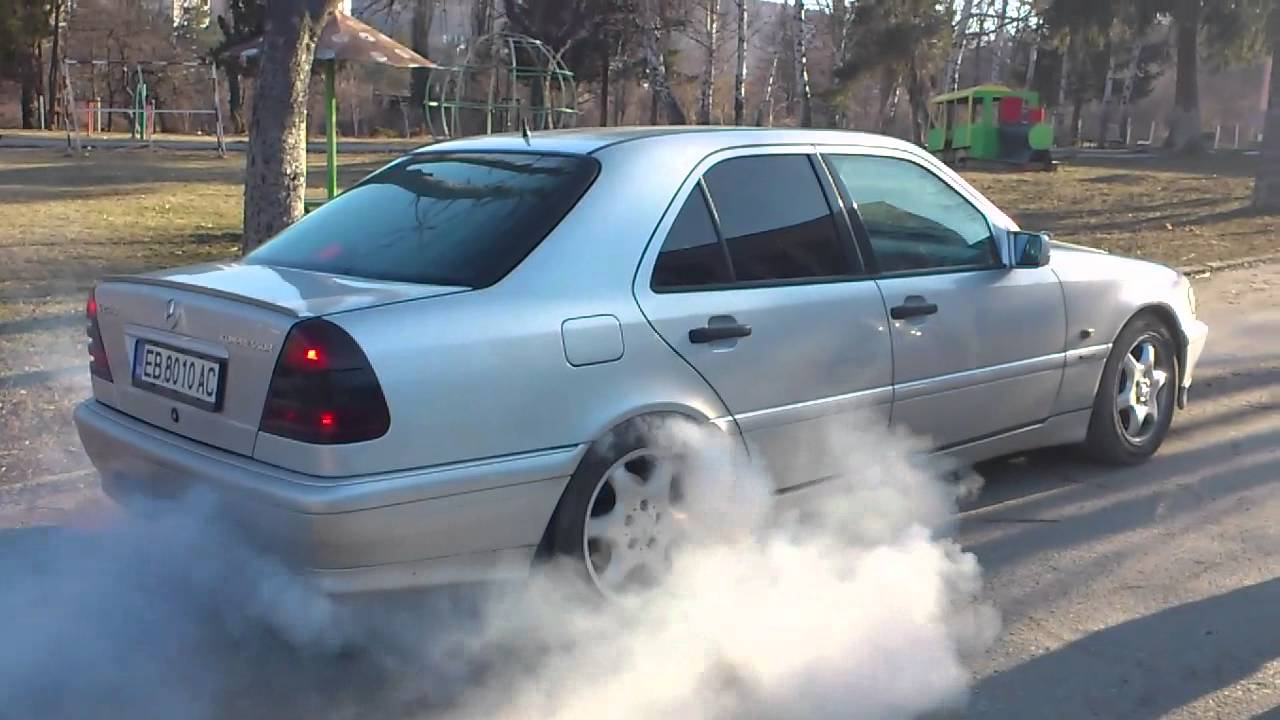 Gabrovo mercedes w202 kompressor burnout youtube for Mercedes benz c240 tune up