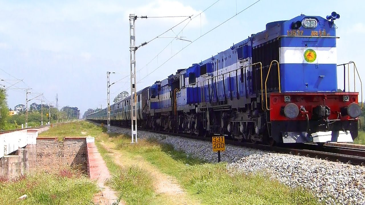 Twin ALCo powered Vasco Da Gama Express : Indian Railways ...