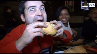 Comerse 300 hamburguesas en 10 minutos