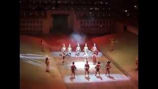 Игра индейцев Майя в мяч  Шкарет Xcaret  Фрагмент вечернего шоу  Мексика
