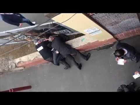 School kid gets detained by Transit Police at Windsor Station 15/10/2014