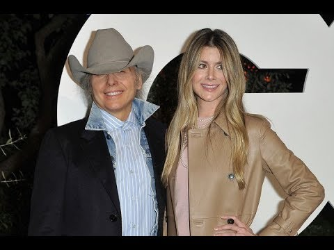 Singer Dwight Yoakam becomes first-time dad at 63