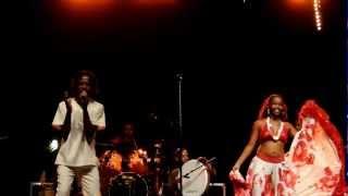 Sega mauricien, Carino (2) en live (Femme deux zenfants) 19 décembre 2012 réunion.