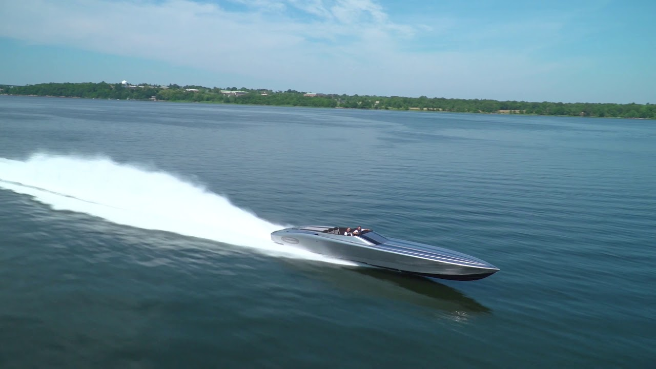 The Outerlimits SL50 is a Power Boat That Everyone Needs in