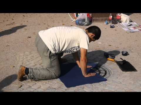 Berlin Business Invention: T-Shirt printing on Gully Cover