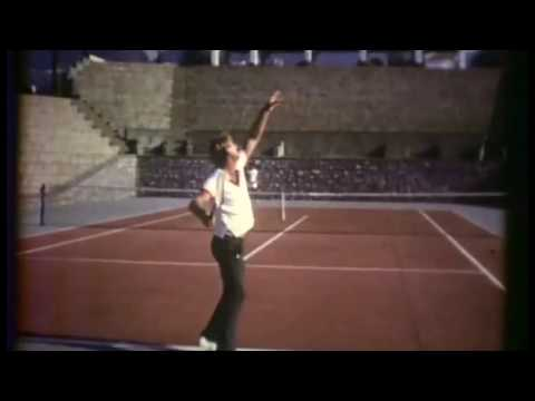 Lew Hoad.Service (2) at tennis camp.Mijas (Spain) 1973