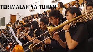 Gambar cover Terimalah Ya Tuhan ~ Lagu Persembahan Katolik Gaya Betawi ~ Orkestra di Gereja Santo Ambrosius