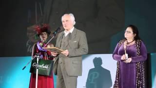 ЕВГЕНИЙ ДОГА вручает приз имени А. Петрова за лучшую музыку к фильму (XXI РКФ «Литература и кино»)