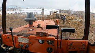 Ну вот опять, понадобился ДТ 75! Эвакуирую трактор! Купили ротационную борону!