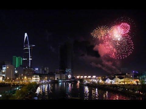 Trực tiếp: Bắn Pháo Hoa Năm Mới 2019 - Đường Hầm sông Sài Gòn