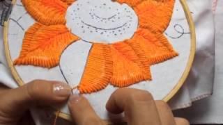 Bordado Fantasia  com pétalas de girassol
