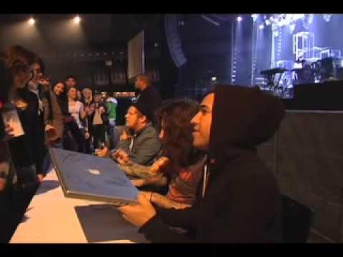 Fall Out Boy - Believers Never Die Part Deux - Austria