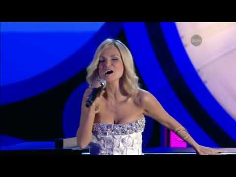 Kristin Chenoweth Singing I Say A Little Prayer from 2010 Tonys
