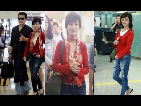 63歲趙雅��身機場,一�牛仔褲惹爭議,�美得讓人心動�