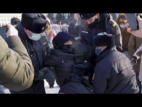الشرطة الروسية توقف عدداً من المحتجين الذين تظاهروا في موسكو دعماً لنافالني…
