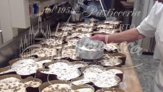 Produzione artigianale della Colomba Pasquale - Pasticceria Migliavacca