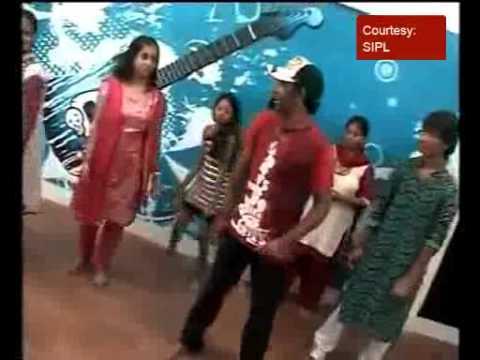 Choreographer Dharmesh teaches Dandiya steps
