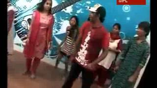 Choreographer Dharmesh teaches Dandiya steps
