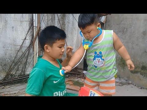 Đồ chơi trẻ em bé pin làm bác sĩ ❤ PinPin TV ❤ Baby toys doctor