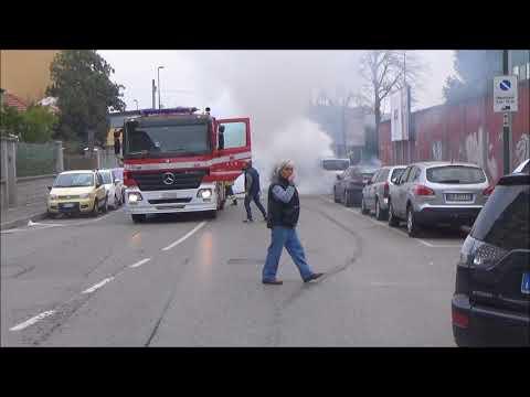 Incendio auto a Sesto San Giovanni dicembre 2017