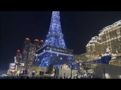 Diana Krall - The Look Of Love & Walk On By - MACAU 澳門 3 ( Night Street Scene )巴黎人夜景